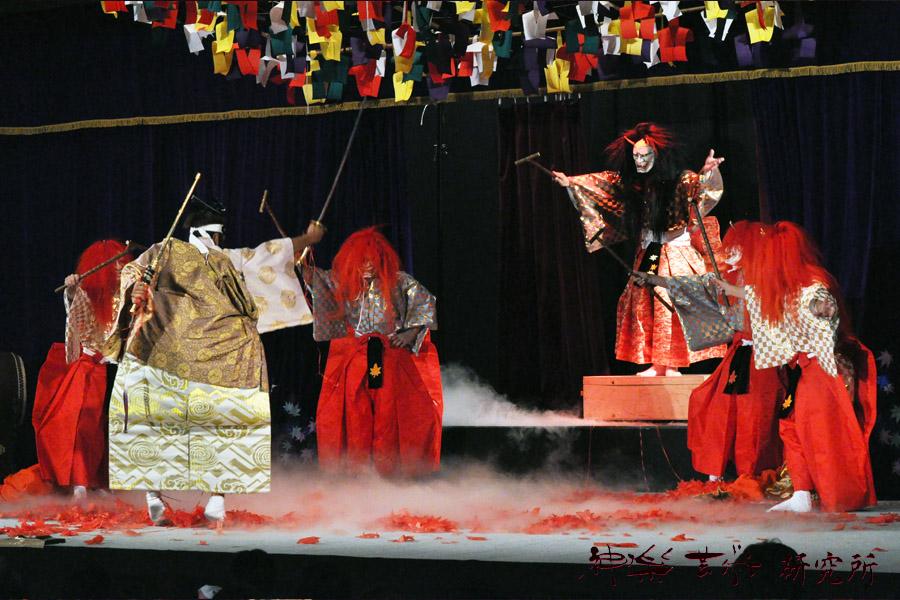 亀山神楽社中 月一の舞いのための戸隠山雅鬼揃